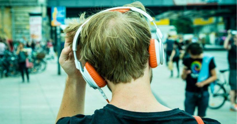 Mp3 Downloader: Scaricare o musica streaming? Come i giovani ascoltano canzoni
