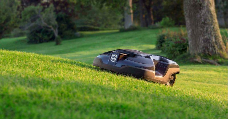 Migliori robot tagliaerba 2018: Quale comprare per il giardino tech
