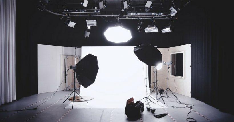Kit illuminazione fotografica: guida al set fotografico fai da te