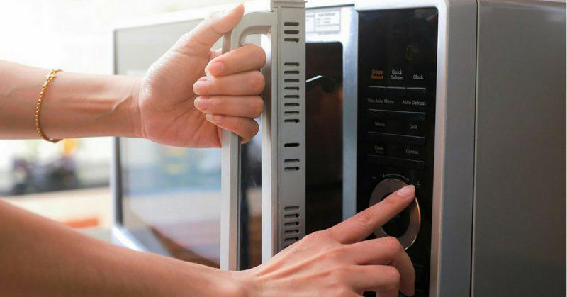 forno a microonde fa male o no