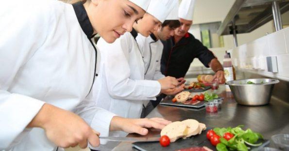 Idee regalo per chi ama cucinare: Cosa comprare agli aspiranti chef