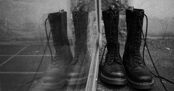 Scarpe Dr. Martens nere: lucide o opache, ecco i modelli più