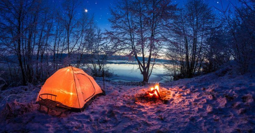 Cosa portare in campeggio: I migliori kit e accessori da avere in tenda