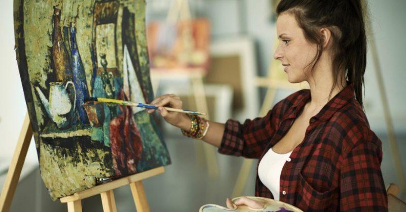 Idee regalo per chi ama disegnare: cosa comprare all'amico artista