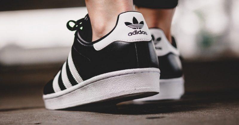 acbf77324 Scarpe Adidas: Dove comprarle al miglior prezzo, la guida