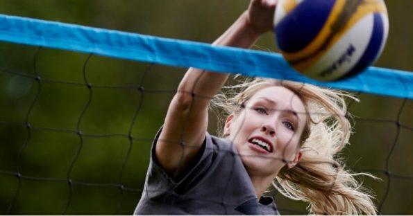 Abbigliamento da volley: Cosa serve per giocare a pallavolo?