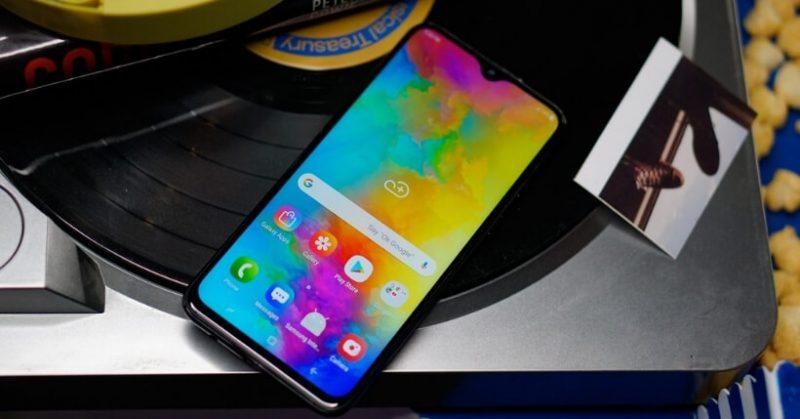 Recensione Samsung Galaxy M20: Batteria super e prezzo da best buy
