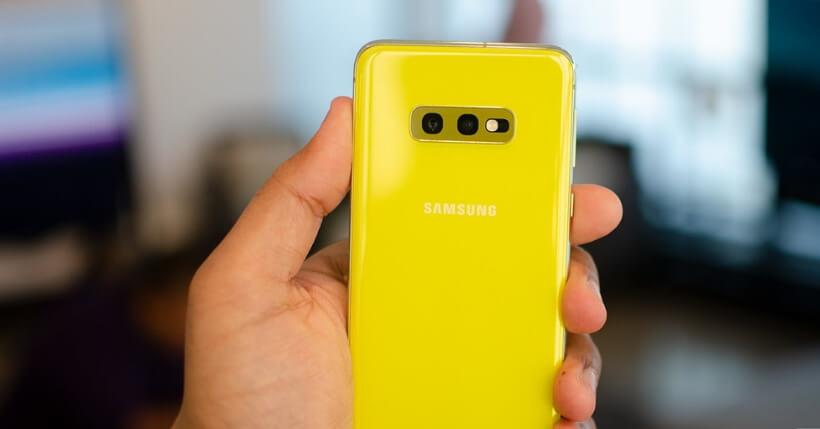 Smartphone compatti 2019: Pixel 3a, Samsung S10e e Xiaomi MI9 SE contro i padelloni