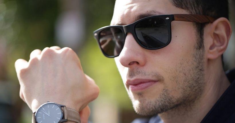 Scegliere gli occhiali in legno: cool e hipster al punto giusto